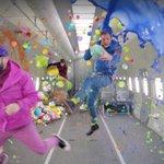'OK GO의 새로운 뮤직비디오, 이번에는 '무중력이다 (동영상) https://t.co/9u7Qhekf7w https://t.co/cagQcsPNoN