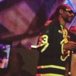 .@SnoopDogg rocks a @Marner93 Knights jersey at his show in London. MORE @ https://t.co/fGg1zXYz05 https://t.co/pvKmbvqVHk