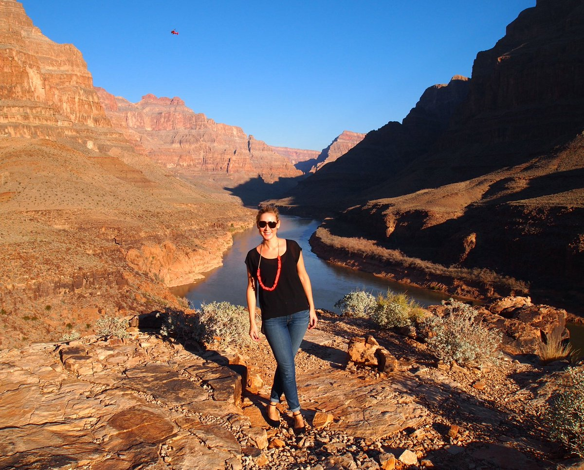 A1 - I've been to a few National Parks, but @GrandCanyonNPS is beyond gorge #ExpediaChat https://t.co/LSB9Lpc0Z5