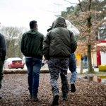 Verzet in Den Haag groeit tegen komst vluchtelingen https://t.co/Zd5iAbqbcj https://t.co/48itgA3i2d