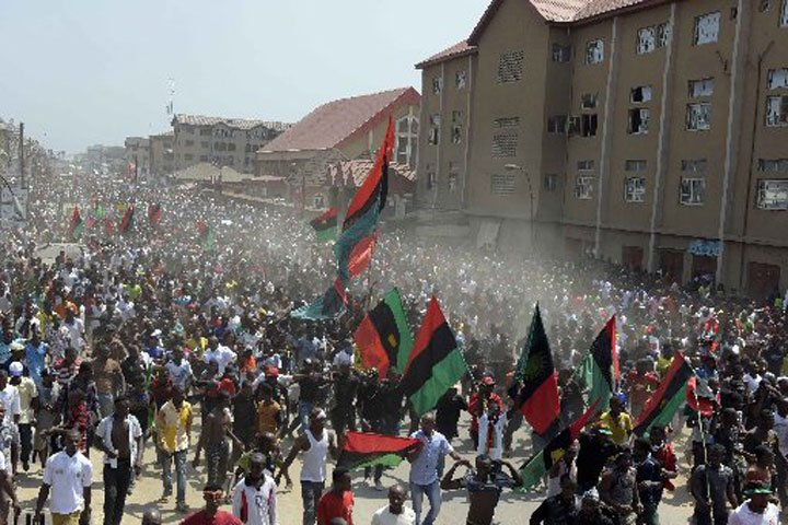 TEN AGITATORS shot in southeast Nigeria trying to keep #Biafra dream alive https://t.co/JsKMtHkO4b https://t.co/15ZjH3iPKq