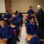 بازدید رئیس جمهور از کلاس تدریس تاریخ با موضوع #برجام. روحانی از دانشآموزان سوالاتی درباره برجام پرسید. #ایران https://t.co/BLR9ziRNE1