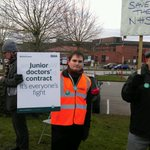 On the picket line at Lincoln County Hospital for the second junior doctors strike https://t.co/AphzPzy9G4