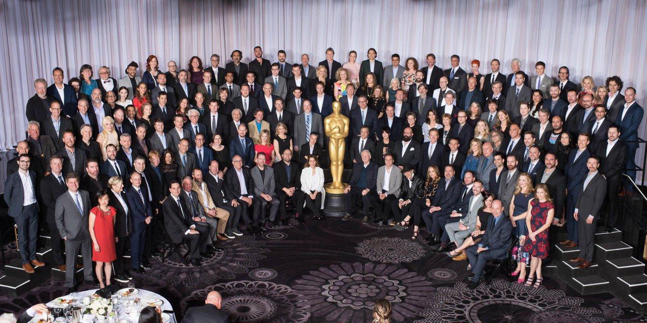 Найдете Леонардо ДиКаприо? Традиционное совместное фото номинантов на премию «Оскар» в этом году. https://t.co/DXrXTF43V4