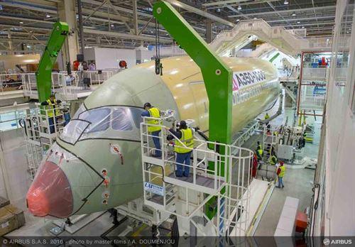 Airbus inicia el montaje final del A350-1000 https://t.co/wsqszSkEB5 https://t.co/KdYnrlXPUq  https://t.co/rvH6C2zHxY