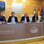 Reunión del Grupo Parlamentario @GPPopularExt @ppextremadura miércoles 10 Enero. https://t.co/lDSaEFalFZ