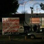 Buenos días #Oaxaca. Alumnos de Ciencias @UABJO mantienen toma de CU; al exterior STAUO coloca mantas contra la toma https://t.co/LF7MRxI6bz