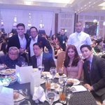 IG © pepalerts AlDub,GMA bosses,Arnold Clavio, & Tom Rodriguez at the GMAThanksgivingParty2016 #VoteMaineFPP #KCA https://t.co/JhcAXgiYhY