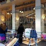 Integrantes de organizaciones sociales impiden la apertura de comercios en los portales del Zócalo #Oaxaca https://t.co/vXD6JduQA8