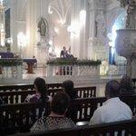 Cientos de católicos acuden a la #ImposiciónDeCenizas en Catedral de #León https://t.co/YXepIwO0BK #Nicaragua https://t.co/hIvxZiU5bj
