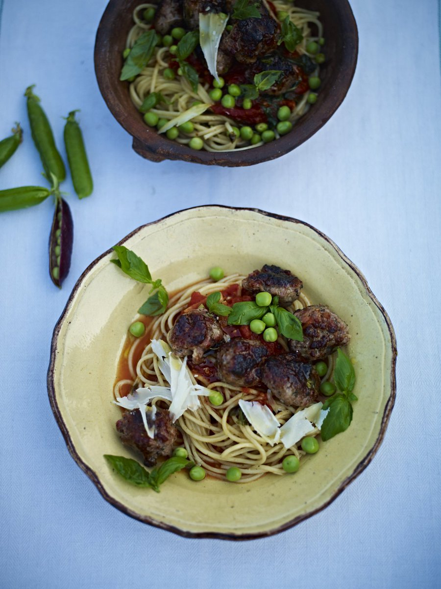 Quick sausage meatballs with bags of flavour for today's #RecipeOfTheDay: https://t.co/rVdKbIOPcu https://t.co/ydKsFqmDl6