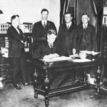 93 years ago, the bill creating Texas Technological College was signed! https://t.co/vMT2WXs376 #IAmARedRaider https://t.co/XF3U6egRFR