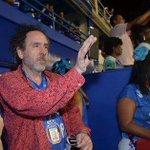 Este é o Tim Burton Grande diretor consagrado mundialmente Filmando Na Vertical https://t.co/IVgfxb5iA5