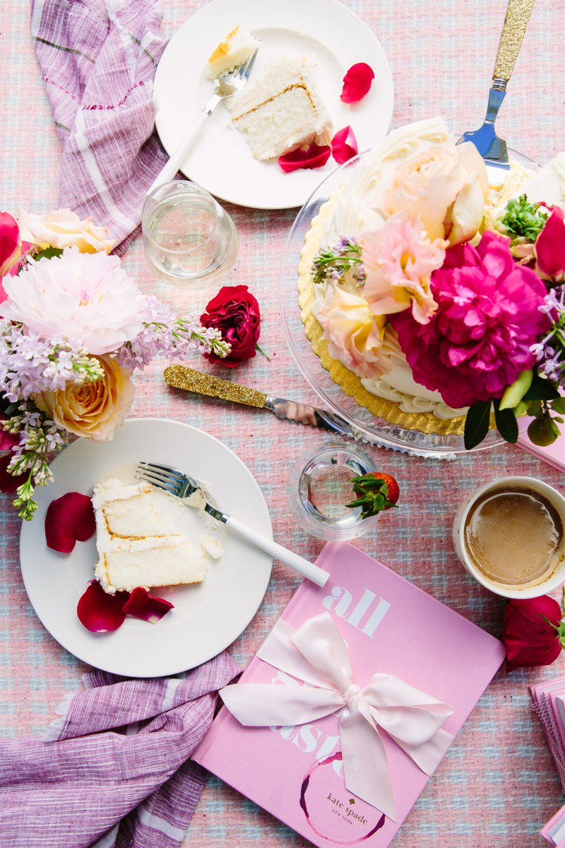 Brunch in the Garden with kate spade new york https://t.co/3Ckdwlu2fR https://t.co/YaCBKCGozS