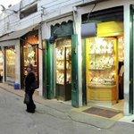 المدينه القديمه داخلها سوق الذهب الليبي والشعبي #فانز_سهيله_بضيافه_ليبيا #SouhilaBenLachhab https://t.co/5suDpJGAfh