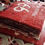 ¿Se les antoja nuestro pastel de aniversario? ... Aun tendremos muchas sorpresas. #SomosDiablos #SomosRojos https://t.co/LI9MxKZNTL