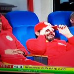 No sympathy from the Islamabad players after Azhar Ali dropped that easy catch 😀 #Cricket #HBLPSL https://t.co/YOOGLLVIT3