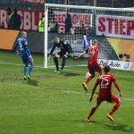 Ohh! Großchance für den FCB. #Costa findet #Robben, doch der scheitert an #Riemann. #BOCFCB 0:1 https://t.co/5NTayeFv7v