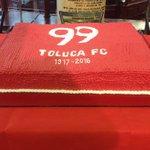 A escasos momentos de iniciar la firma de autógrafos de @TolucaFC por su 99 aniversario. #diablostwitteros https://t.co/G5c4zbDcPa