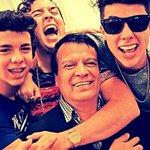 RT si que linda familia ❤ #KCA #VotaMarioBautista https://t.co/53MJtiYKkM