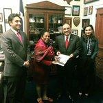 """Congresswoman @JacksonLeeTX18 presents momento to Former Pres of #Pakistan @AAliZardari & Chairman @BBhuttoZardari https://t.co/3RFqjsHuwv"