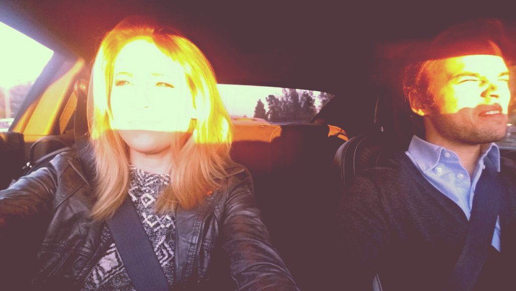 When you're tryna take a selfie, but the sun just won't cooperate https://t.co/e4UufC0HPa https://t.co/1i5jPQBCqT
