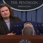 Генерал ВВС США упал в обморок на докладе о бюджете Пентагона Распереживался Видео: https://t.co/d9pT3Eewjv https://t.co/D6ZlsPQocs