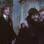 Джоан Роулинг выпустит «Гарри Поттера и проклятое дитя» в виде книги, которая станет восьмой в серии. Уже 31 июля https://t.co/kEZdOlxjsE