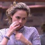 Juliana de Fabiana - Ana Paula está mitando em sua volta. Agora chamou a Juliana e Fabiana, twitteiros comentam. https://t.co/ZWHlWTFi7k