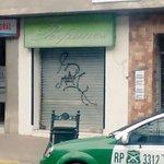 ESTA MADRUGADA: + de 5millones en perfumes fueron robados por delincuentes en céntrico local en calle Yungay #Curico https://t.co/Br42O9pM0S