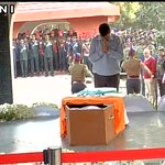 Delhi CM Arvind Kejriwal pays last respects to Lance Naik Hanamanthappa at Brar Square (Delhi) https://t.co/Fo9HbYK5sm