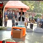 Rahul Gandhi pays last respects to Lance Naik Hanamanthappa at Brar Square (Delhi) https://t.co/jJSqH6dsGN