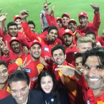 Selfie United. Players, owners & officials of @IsbUnited pose for a selfie after win in #HBLPSL game last night. https://t.co/A0bEZgu7DE