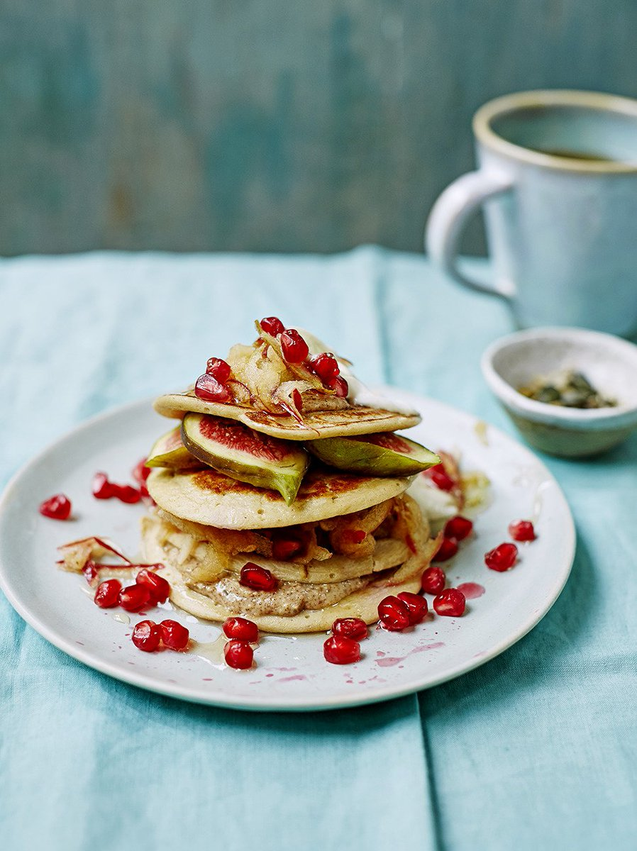 .@JamieMagazine's oaty protein pancakes aren't just for #PancakeDay! https://t.co/At5xAr96nD #RecipeOfTheDay https://t.co/1peJ4gHBkr