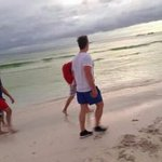 Niall in Boracay, Philippines today (11 Feb) #1-3 (hes the one with red backpack) via @toosexystyles https://t.co/g1OI1n0ONl