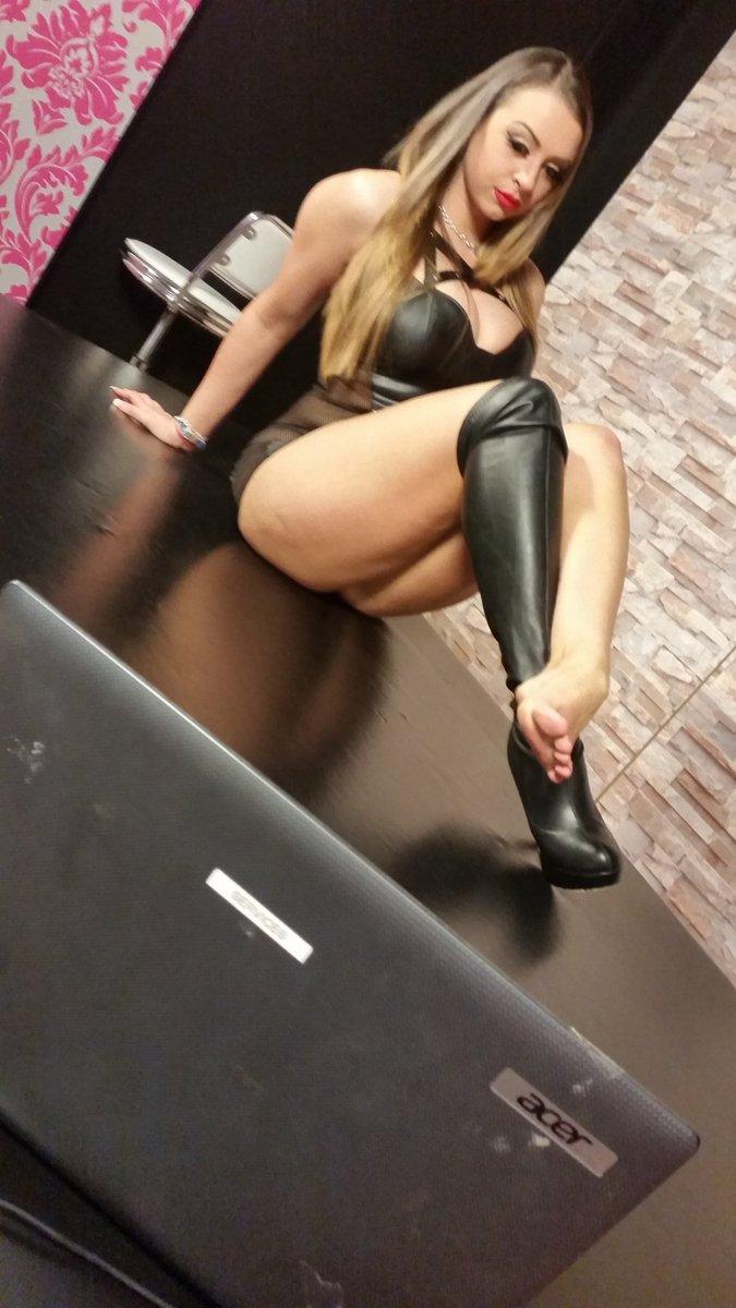 m7723osmGw NaughtyChat #domination #footfetish #dirtytalk #cam2cam #boobs #fetish