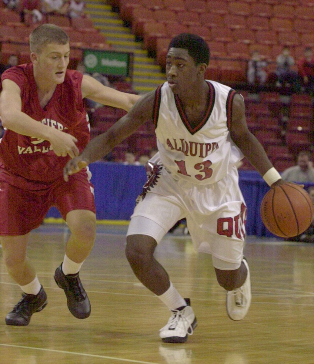 Looking at some old hoop stats. WPIAL's leading scorer in 2003 was this Revis Island kid. @Revis24. 26.2 ppg https://t.co/CvVOxPRqFG