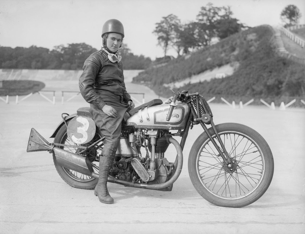 Celebrating international #WomenInSTEM day, here is Beatrice Shilling inventor of Miss Shilling's orifice https://t.co/luKiQkqgFD