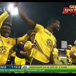 #RiseZalmiRise Darren Sammy is the hero tonight https://t.co/NeUkbtGRcc