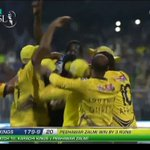Best match of PSL well played #Karachi#Peshawar https://t.co/a9K0ykb8lg