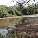 Río Santamaria /provincia de Veraguas aumenta su caudal por lluvias en la cordillera no bañarse en el. PREVENCIÓN. https://t.co/H0npLqqa95