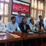 Llaman jóvenes de #PRD #PAN #PT #MC a los jóvenes de #Centro a participar y a cuidar el voto en próxima elección. https://t.co/HOmcQRG2rW