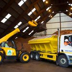 Another clear day means another cold night. Another cold night means the gritters are on the roads from 7pm #wmgrit https://t.co/Rc3Q6Z5B5J