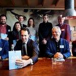 De essaybundel #aantafel lezen? De download staat op rijksoverheid.nl - https://t.co/zi9MEpjH6i https://t.co/GpIXIVGvkO