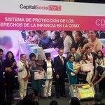 """El Jefe de Gobierno @ManceraMiguelMX entrega cunas y tarjetas del programa """"Bebé Seguro"""" https://t.co/Q4bKZASL2b"""
