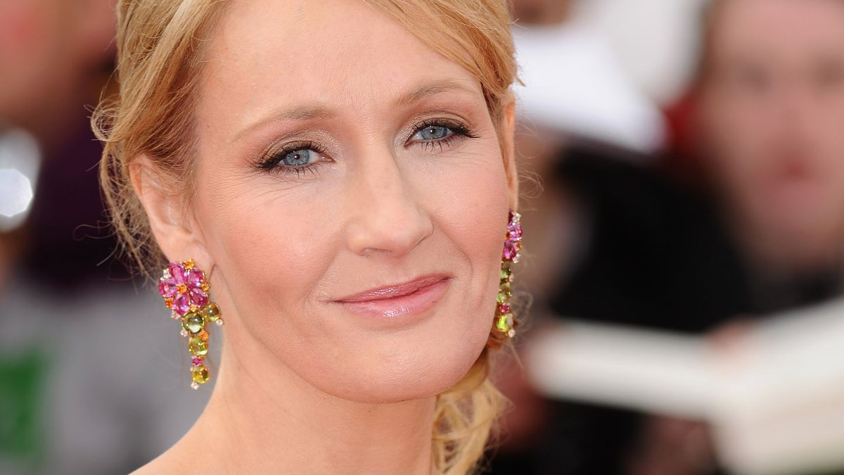 J.K. Rowling Has The Most Dumbledore-y Advice For Fans Living With Anxiety
