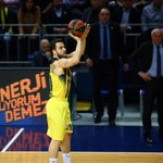Dördüncü Çeyrek Son 05:49 | Fenerbahçe 69-53 Unicaja Malaga #Top16 https://t.co/MKSxNTulZR