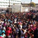 Reprochan familiares silencio sobre situación en #TopoChico #motín https://t.co/ZSMbWaT49K https://t.co/62lqTuEAlg