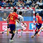 ¡FINAAAAAL! ¡ESPAÑA ESTÁ EN LA FINAL DE LA EUROCOPA! España 5-3 Kazajistán. #FutsalEuroMEGA https://t.co/Gb7eGZt9DX
