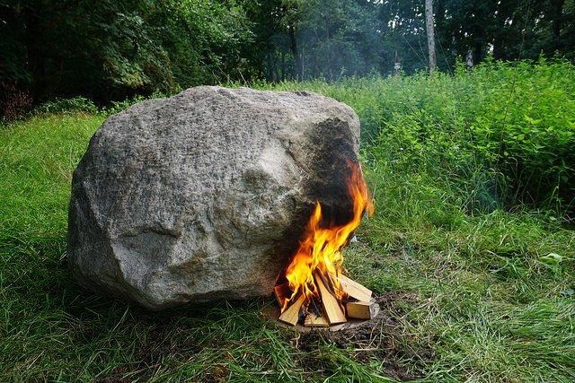 Secret router hidden inside a hollow rock streams files when powered by the heat of a fire: https://t.co/COdMG6G1eV https://t.co/iRip2Q2jEd